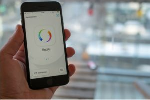 mobilskärm med betalningssidan i swishappen öppen