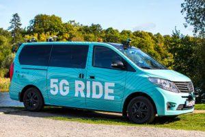 minibuss med texten 5G Ride på sidan och natur i bakgrunden