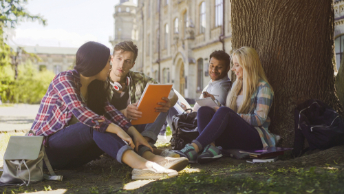 Studenter som pluggar
